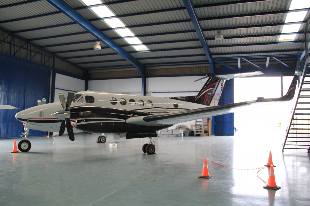 Beechcraft_Super_King_Air_200_aviatextile (15).JPG